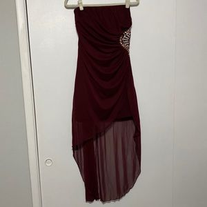 Maroon Dress with High-Low Fabric